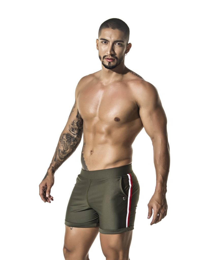 https://cdn.ateneaservices.com/root/614/seyer/catalog/items/1543350389_icon/b29158shortpantsroyaltygreen.side.jpg